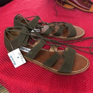 NWT Olive green Steve Madden Lace Up Sandals 7 1/2